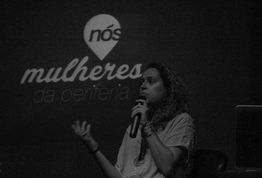 Regiany Silva apresenta o trabalho do Nós, mulheres da periferia e discute a representação da mulher negra na mídia