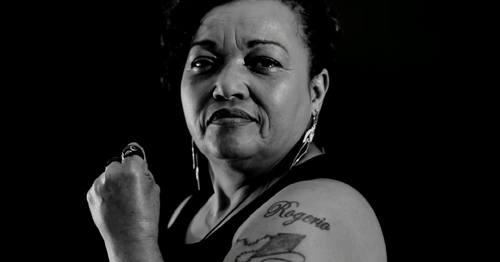 Débora é a fundadora do movimento Mães de Maio | Crédito: reprodução