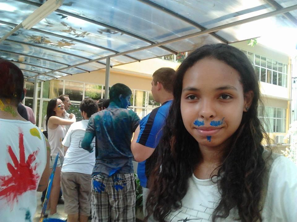 Sabrina Martins, estudante de Física da USP, quando passou no vestibular em 2014| Arquivo pessoal