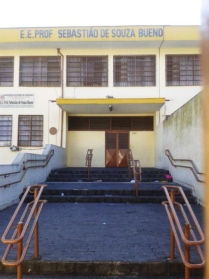 Escola Estadual Professor Sebastião de Souza Bueno na Vila Medeiros, zona norte.