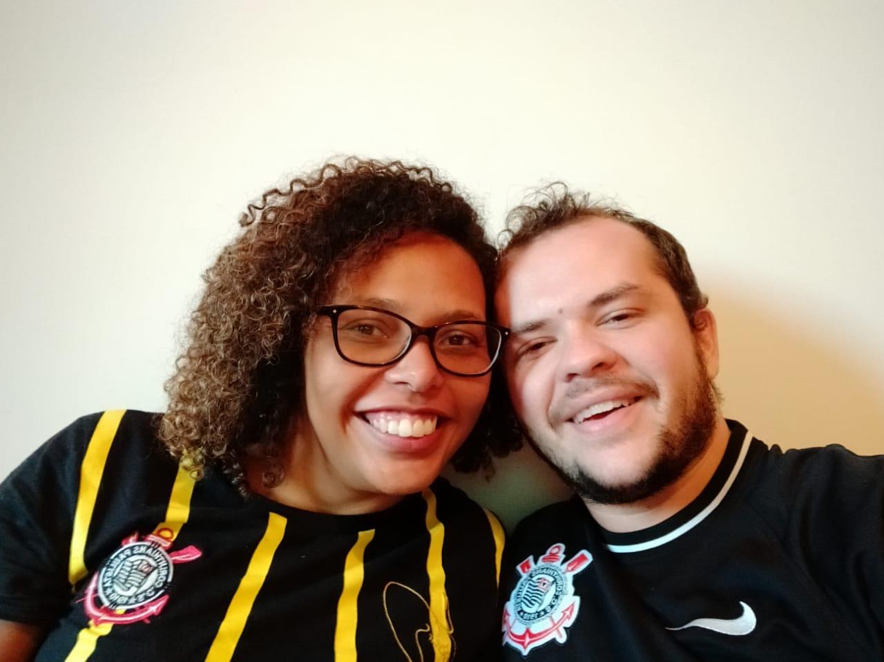 Lívia e Bruno moram a 72 km de distância um do outro