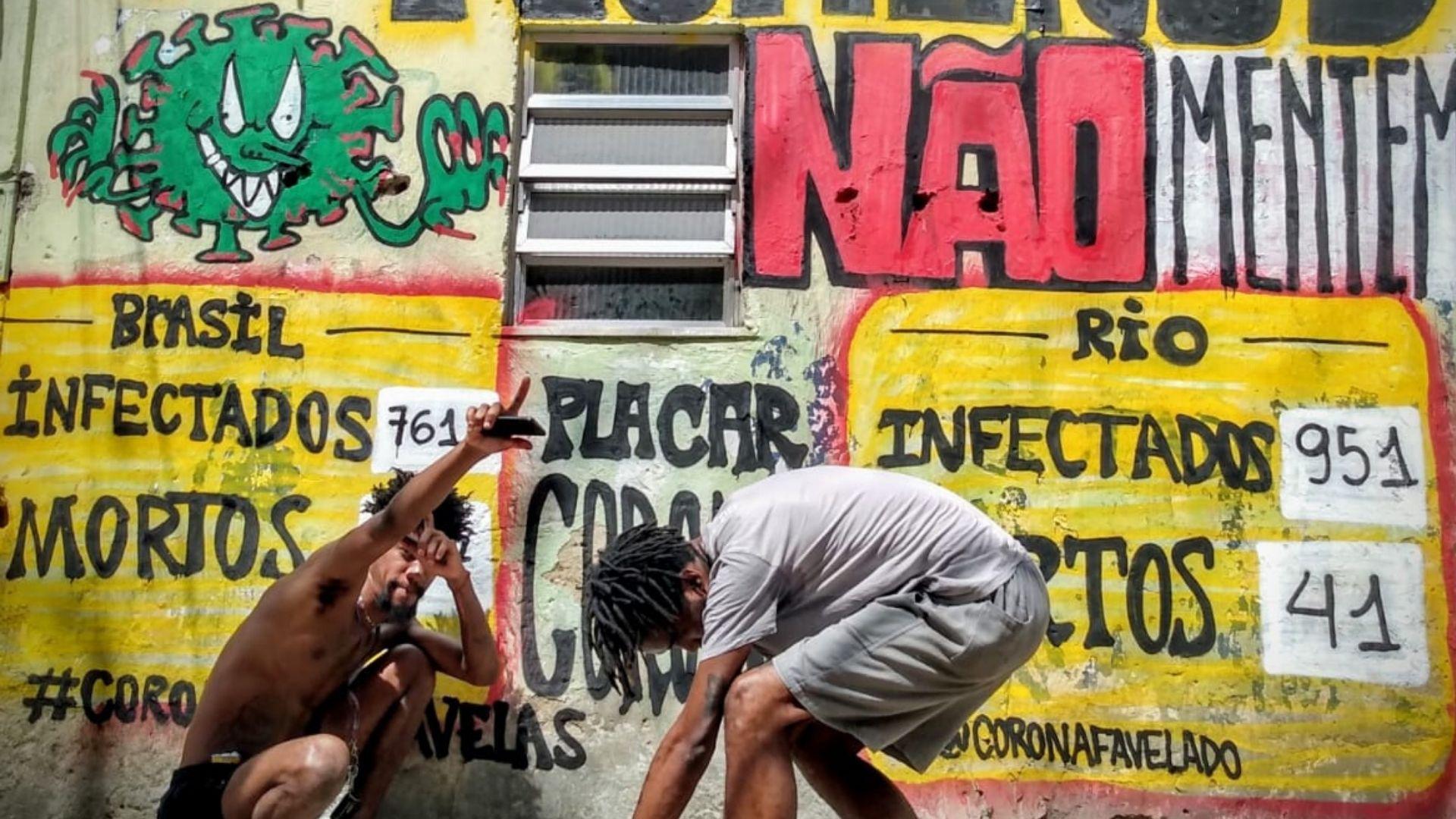 Ação com grafite da Frente de Mobilização da Maré